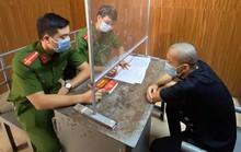 2 thanh niên dùng điếu cày tấn công cán bộ trực chốt kiểm soát Covid-19