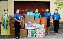 Báo Người Lao Động tiếp sức lực lượng chống dịch và công nhân, người lao động