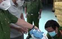 Bộ Công an thu giữ thuốc Liên Hoa Thanh Ôn quảng cáo điều trị Covid-19 ở TP HCM