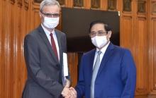Đề nghị Pháp tiếp tục viện trợ, cho vay, nhượng lại vắc-xin cho Việt Nam