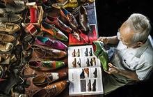 Tác phẩm Nghệ nhân đóng giày 90 tuổi đoạt huy chương bạc cuộc thi ảnh quốc tế