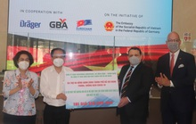TP HCM tiếp nhận trang thiết bị y tế chống dịch trị giá 350.000 USD