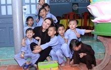 Ca sĩ Phi Nhung mất đi, 23 người con sẽ không bơ vơ