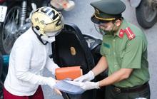 NÓNG: Chi tiết các bước cấp giấy đi đường, thẻ mua hàng cho 6 nhóm đối tượng ở Hà Nội