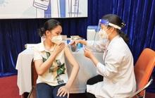 Tiêm trộn vắc-xin Moderna và Pfizer: Các nước thực hiện thế nào?