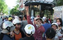 Trên 500 tiểu thương vây kín UBND TP Đà Nẵng