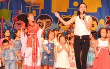Lê Khánh dạy hát cho thiếu nhi