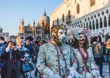 Đến Venice vào tháng 2, dự lễ hội hóa trang hoành tráng nhất năm
