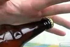 Tạm giữ thanh niên ném chai bia, làm trộm tử vong