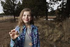 """Bé 7 tuổi """"khai quật"""" được hóa thạch 65 triệu năm"""