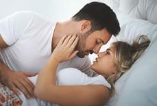 """""""Yêu"""" thăng hoa gấp 6 lần nhờ… vệ sinh mũi"""