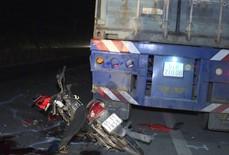 Trên đường đi nhận xe, nam thanh niên đâm vào container tử vong