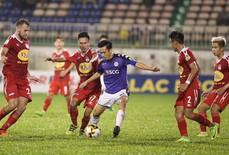 HLV trưởng HAGL chê hàng thủ sau trận thua Hà Nội FC