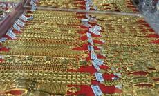 Giá vàng lại biến động mạnh, giảm sâu dưới ngưỡng 42 triệu đồng/lượng