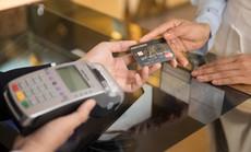 """Nghi ngờ thẻ tín dụng bị """"hack"""", chủ thẻ phải làm gì?"""