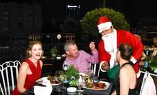 Giáng sinh ấm áp và đáng yêu tại Rooftop Garden Bar