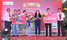 Vinasun Taxi trao thưởng ô tô Camry cho khách hàng may mắn