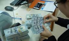 Giá USD tự do hạ nhiệt sau khi vọt lên 23.700 đồng/USD