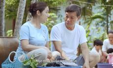 """""""Xả 1 được 3"""" - Hé lộ bí quyết tiết kiệm nước của Kiều Minh Tuấn và Cát Tường"""