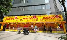 Ghé qua một gian hàng bánh Trung thu Kinh Đô