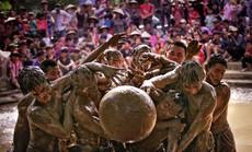 Lễ hội vật cầu bùn ở Bắc Giang lên báo Mỹ