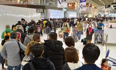 Du khách ra khỏi Nhật sẽ đóng gần 10 USD 'thuế chia tay'