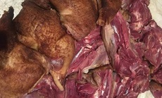 Bí mật loại thịt gà lạ chuyên nấu giả cầy gây sốt khắp chợ