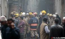 """Ma trận hẻm """"thổi bùng"""" đám cháy lớn, gần 50 người thiệt mạng"""