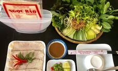 Bánh tráng cuốn thịt heo 2 đầu da, phong vị lạ ở phố biển Nha Trang