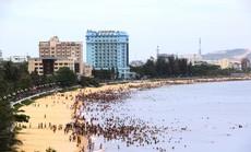 Chủ khách sạn bên bờ biển Quy Nhơn nói gì khi bị đề nghị dời trước hạn?