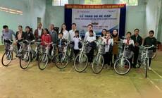 Trao tặng 50 xe đạp cho học sinh nghèo Gia Lai