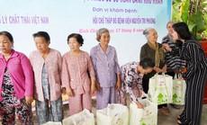 Khám bệnh và tặng quà cho 300 người nghèo ở Bình Chánh