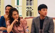 """Nhận bằng khen của Bộ VH-TT-DL, Bảo Thanh phim """" Về nhà đi con"""" đặt câu hỏi khó với Bộ trưởng"""