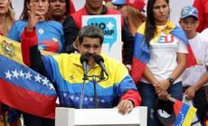 """Venezuela: Tỉ lệ lạm phát giảm còn """"6 chữ số"""", ông Maduro chiếm lợi thế"""