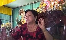 """Người đàn bà 50 tuổi và """"chiêu độc"""" mê hoặc nhiều người"""