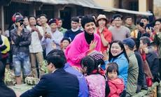 Hoa hậu H'hen Niê bật khóc khi bị chỉ trích làm từ thiện keo kiệt