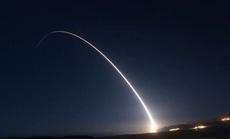 """Mỹ phóng thành công ICBM trong """"bộ ba răn đe hạt nhân"""""""