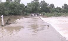 Nước cuốn xe bán tải khi qua tràn, một cán bộ giao thông mất tích