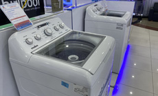 Máy giặt trục đứng nhập khẩu có gì lạ?
