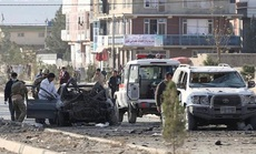 Đấu súng, đánh bom liều chết đẫm máu ở Afghanistan