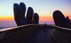 Cây cầu bắc ước mơ du lịch Việt vươn tầm thế giới