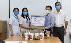 Minh Long tặng 3.000 ly sứ dưỡng sinh cho y - bác sĩ