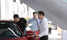 """""""Ngược đời"""" mua ôtô: Đặt nhiều tiền cọc nhưng không muốn nhận xe sớm"""