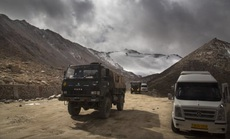Trung Quốc, Ấn Độ đưa vũ khí hạng nặng đến khu vực tranh chấp