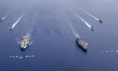 """Mỹ biểu dương sức mạnh, Trung Quốc """"khoe"""" vũ khí"""