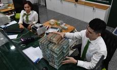 Lãi suất tiết kiệm giảm mạnh, nên gửi tiền vào đâu?