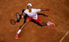 Djokovic vượt huyền thoại Mỹ Pete Sampras