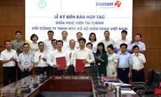 Vietlott tài trợ học bổng cho sinh viên Học viện Tài Chính