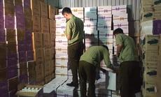"""Đột kích kho hàng hơn 38.000 chai sữa chua uống không rõ nguồn gốc ở """"thủ phủ"""" La Phù"""