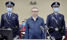 """Video 3 tấn tiền mặt chất """"như núi"""" trong nhà quan tham Trung Quốc"""